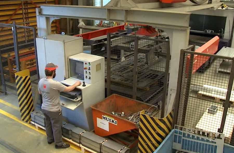 Costruttore/trice d'impianti e apparecchi AFC