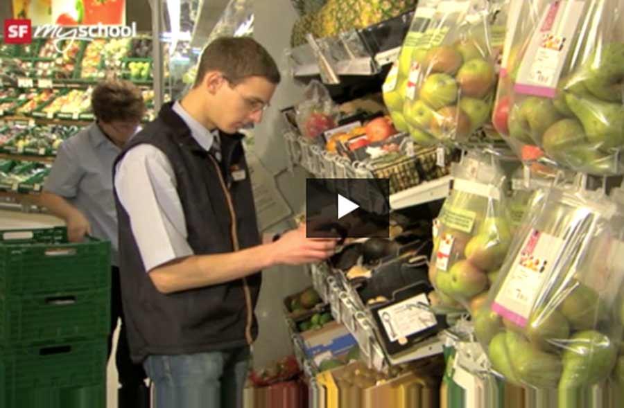 Detailhandelsfachmann/-fachfrau Nahrungs- und Genussmittel EFZ – Film mit Porträt eines Lernenden mit Schwerpunkt Bewirtschaftung