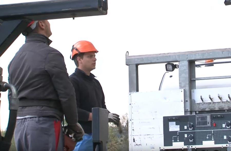 Électricien / Éléctricienne de réseau CFC