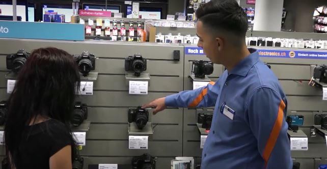Gestionnaire du commerce de détail CFC - Consumer-Electronics - Film avec portrait d'un professionnel