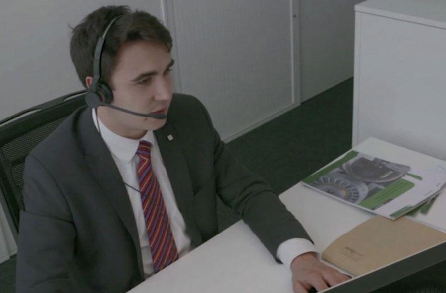 Employé / Employée de commerce CFC - branches de formation et d'examens - Film avec portrait d'un professionnel