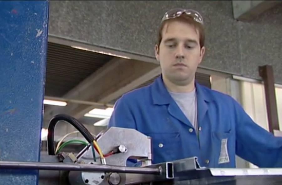 Lüftungsanlagenbauer/in EFZ – Film mit Porträt einer Berufstätigen