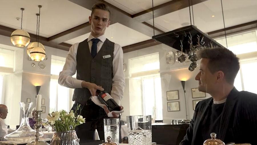 Restaurantfachmann/-fachfrau EFZ – Kurzfilm
