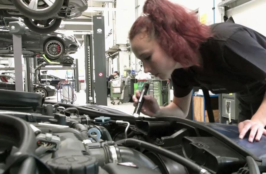 Mécanicien / Mécanicienne en maintenance d'automobiles CFC - Extrait
