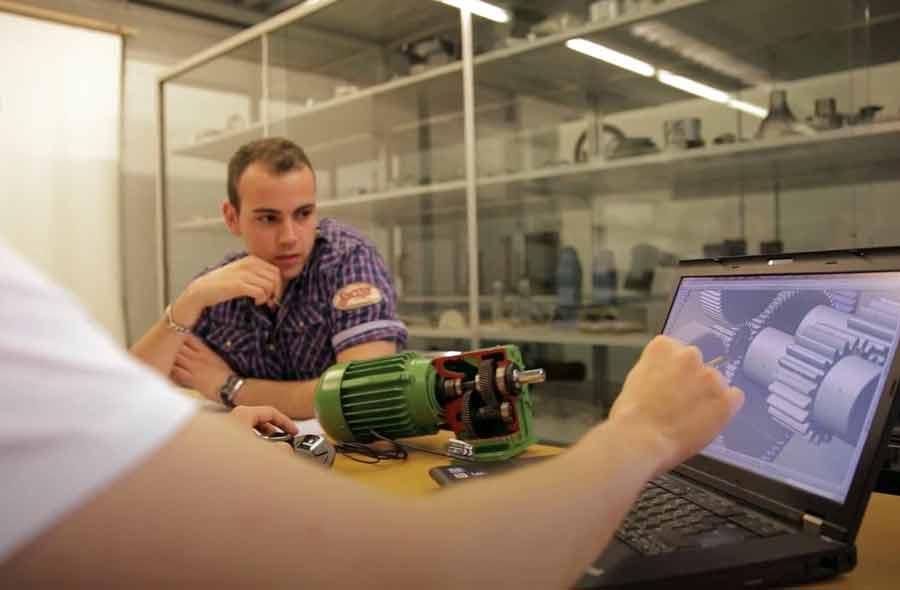 Maschinentechnik FH (Bachelor) – Film mit Studierenden und Berufstätigen